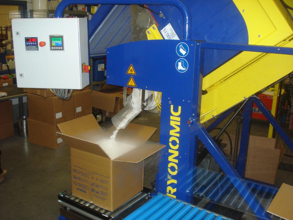 Cryonomic DIR500 Trockeneis Verpackungsmaschine